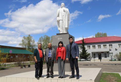 Представители Тувинского рескома КПРФ побывали в городе Туране