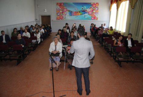Коммунисты Кызыла встретились с учителями 11 школы г. Кызыла.