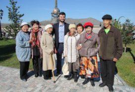 Коммунисты Кызыла на мероприятиях ко Дню пожилого человека.