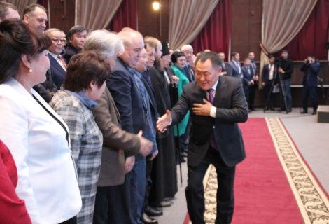 Глава Тувы выступил с ежегодным посланием к парламенту республики
