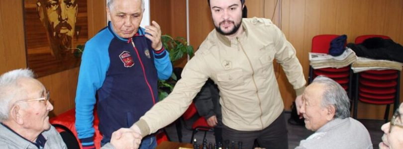 В Туврескоме КПРФ — ветеранский турнир по шахматам.