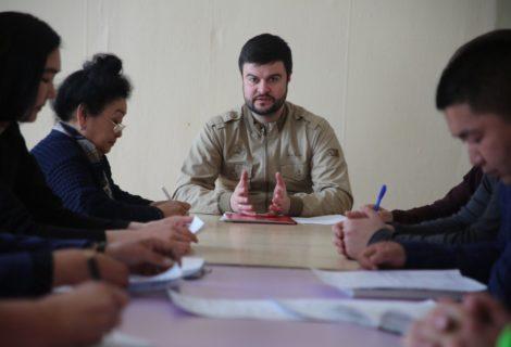 Аппарат Тувоескома КПРФ провёл выездное заседание в Дзун-Хемчикском Кожууне.