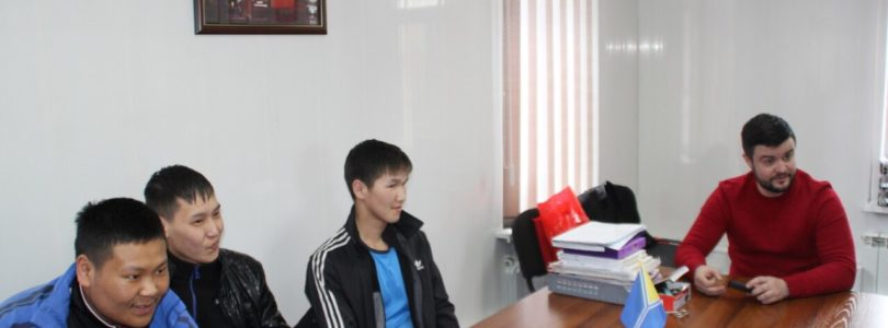 Равнение на Гагарина —  встреча с молодежью в Туврескоме КПРФ.
