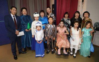 Внимание и заботу — детям! Благотворительный концерт фонда «Ласточка» в Кызыле