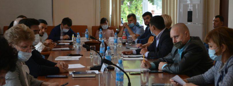 Состоялась 25-ая очередная сессия Хурала представителей города Кызыла, где были рассмотрены 16 вопросов.